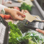 The Top Pros and Cons of Using Contactless Payment Options
